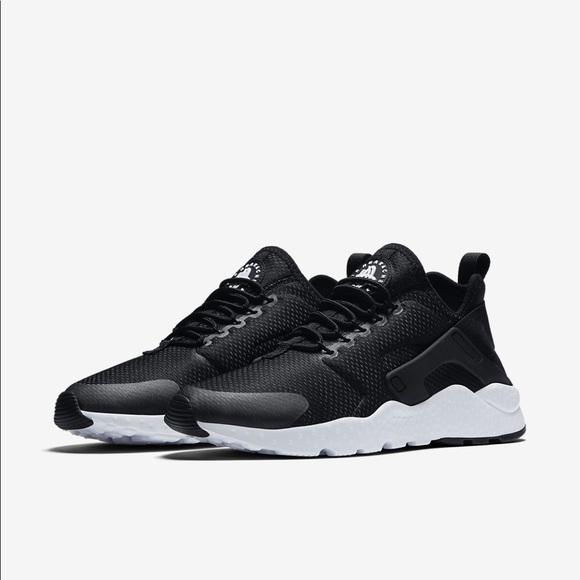 d1bbc05f3b4b Nike Huarache Run Ultra. M 5b3adc3bdf0307b2c6f8e26a